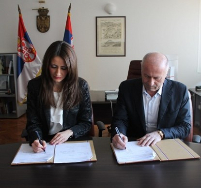 "Contract for the refurbishment of the ""Peace Palace"" signed"